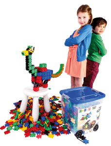 CB803 Boy and girl with Dino and Rollerbox web.png